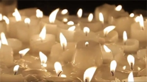 Muchas velas encendidas